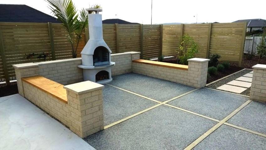 Pizza oven with seating